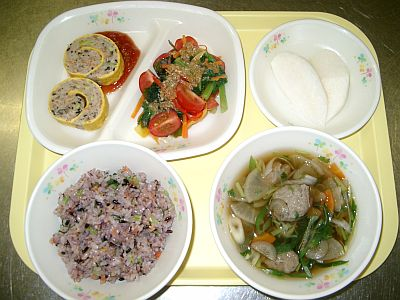 地域の食材24種類を集めた自慢の献立 日本一の給食にの画像