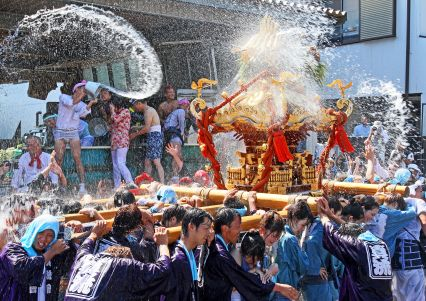 フォトコンクール:祭りを楽しむ