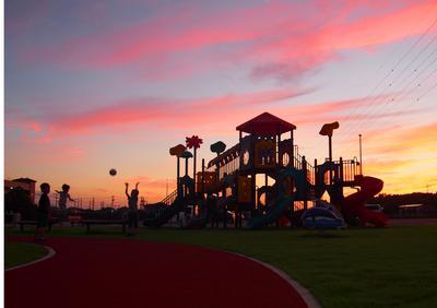 フォトコンクール:公園の黄昏時