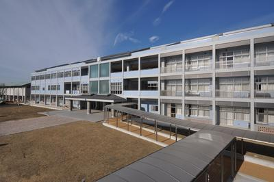 野栄中校舎